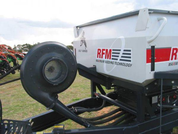 rfm-air-cart-fitted-with-19-series-s-blade-blower3A7D3937-E7D7-EB73-3011-0921D336661E.jpg